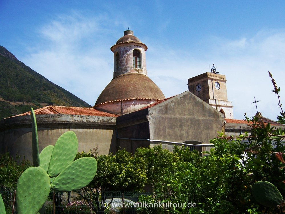 Salina - Chiesa di Leni