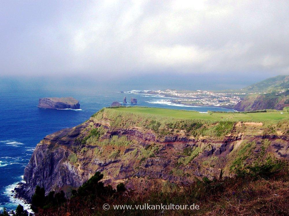Die Westküste von São Miguel bei Mosteiros
