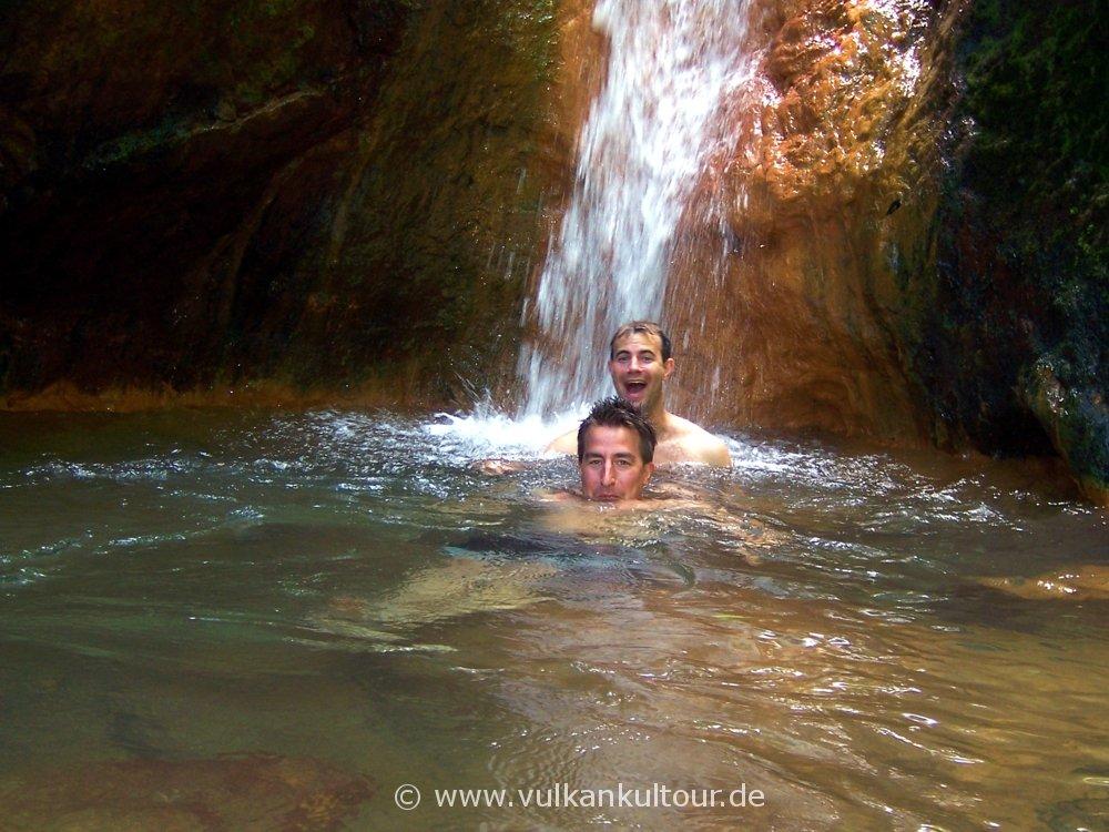 Flo & Ulli in der Caldeira Velha