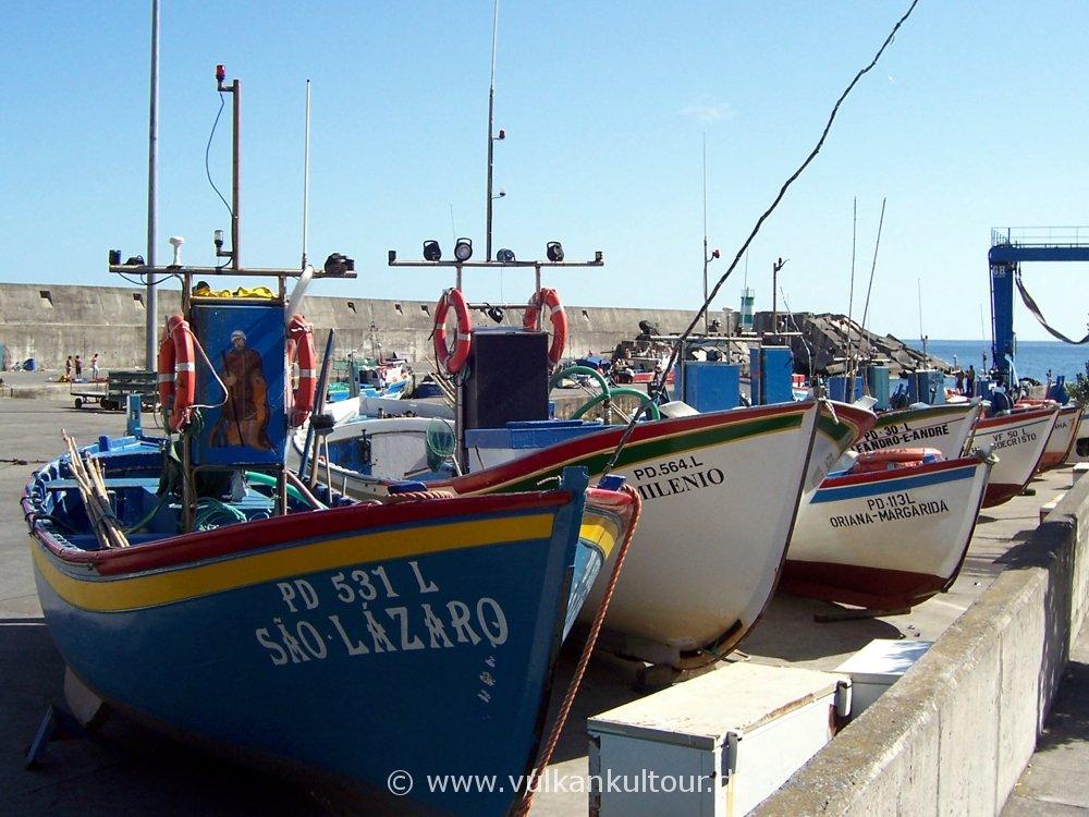 Hafen von Ribeira Quente