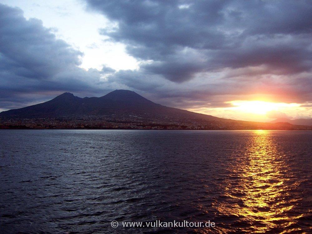 Morgenstimmung im Golf von Neapel
