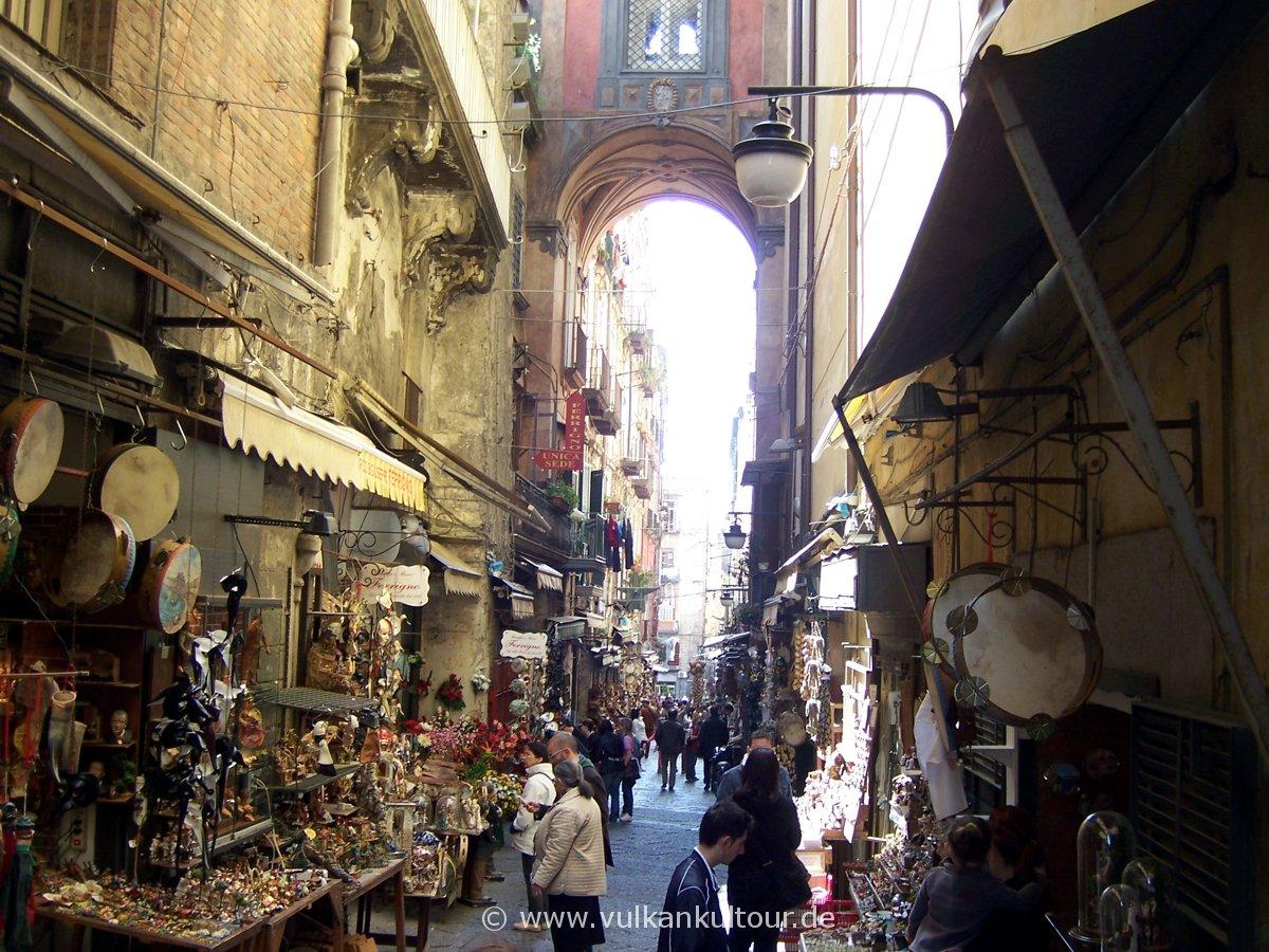 Napoli Censtro Storico - Krippenschnitzergasse