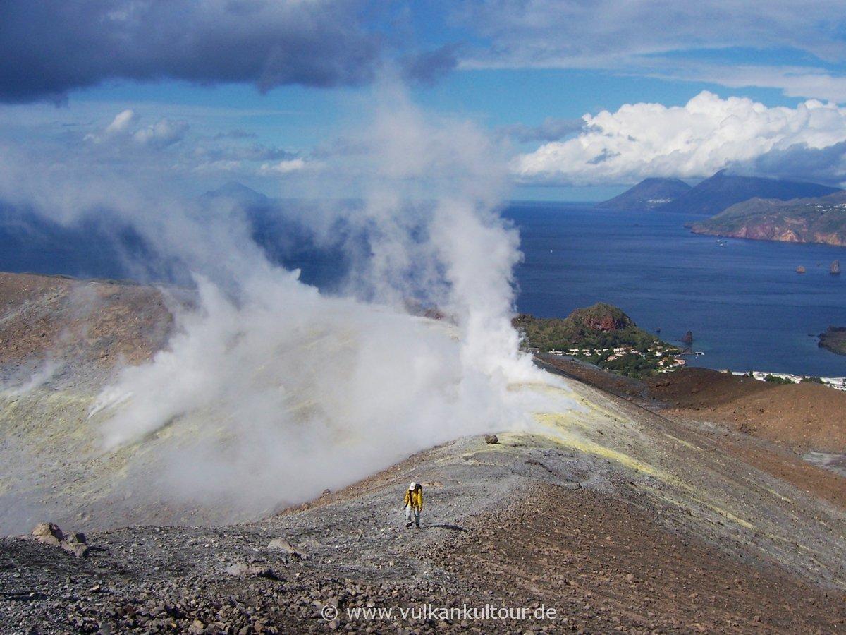 Auf dem Gran Cratere von Vulcano