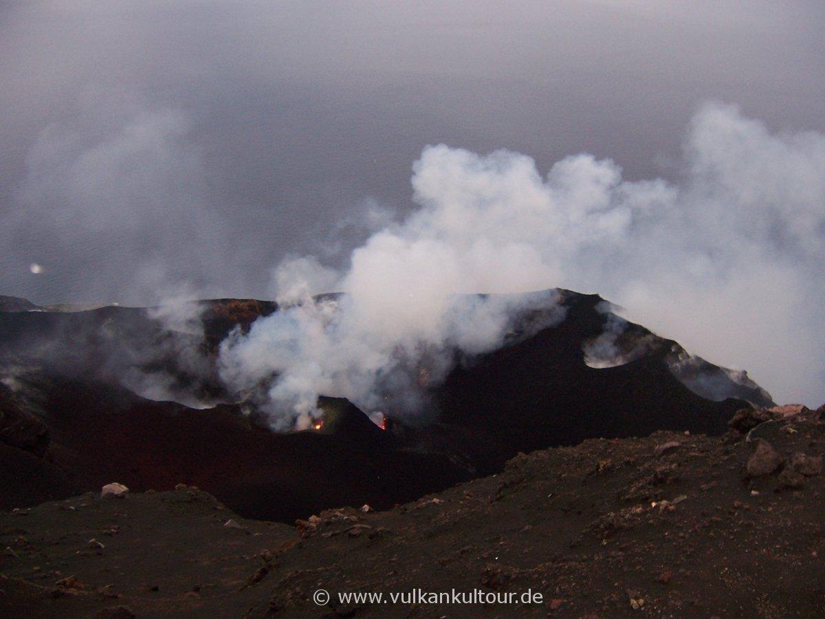Stromboli: aktive Kraterterrasse