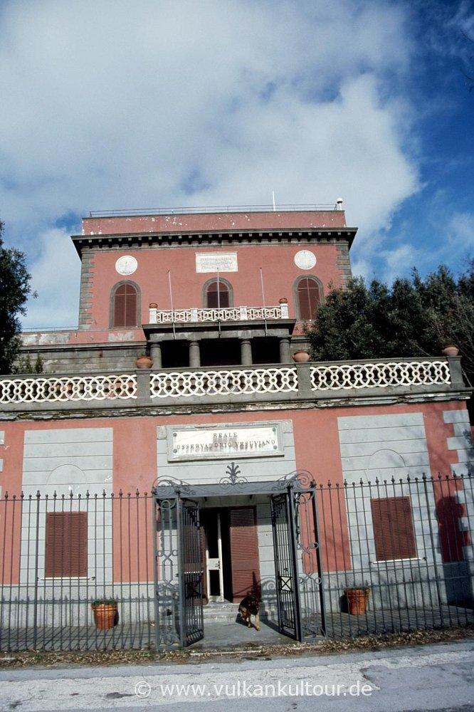 OV - Osservatorio Vesuviano - ältestes Vulkanobservatorium der Welt