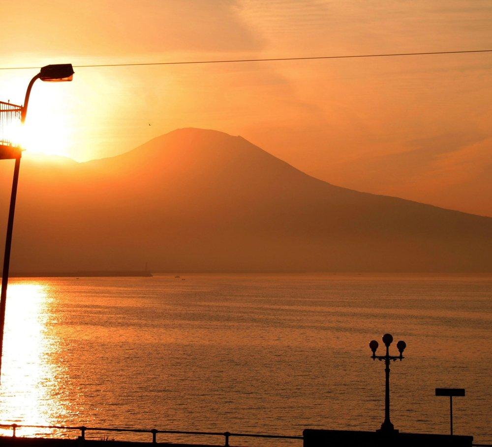 Morgenstimmung am Vesuv - Blick vom Hotelbalkon (© Julia Lauberger)