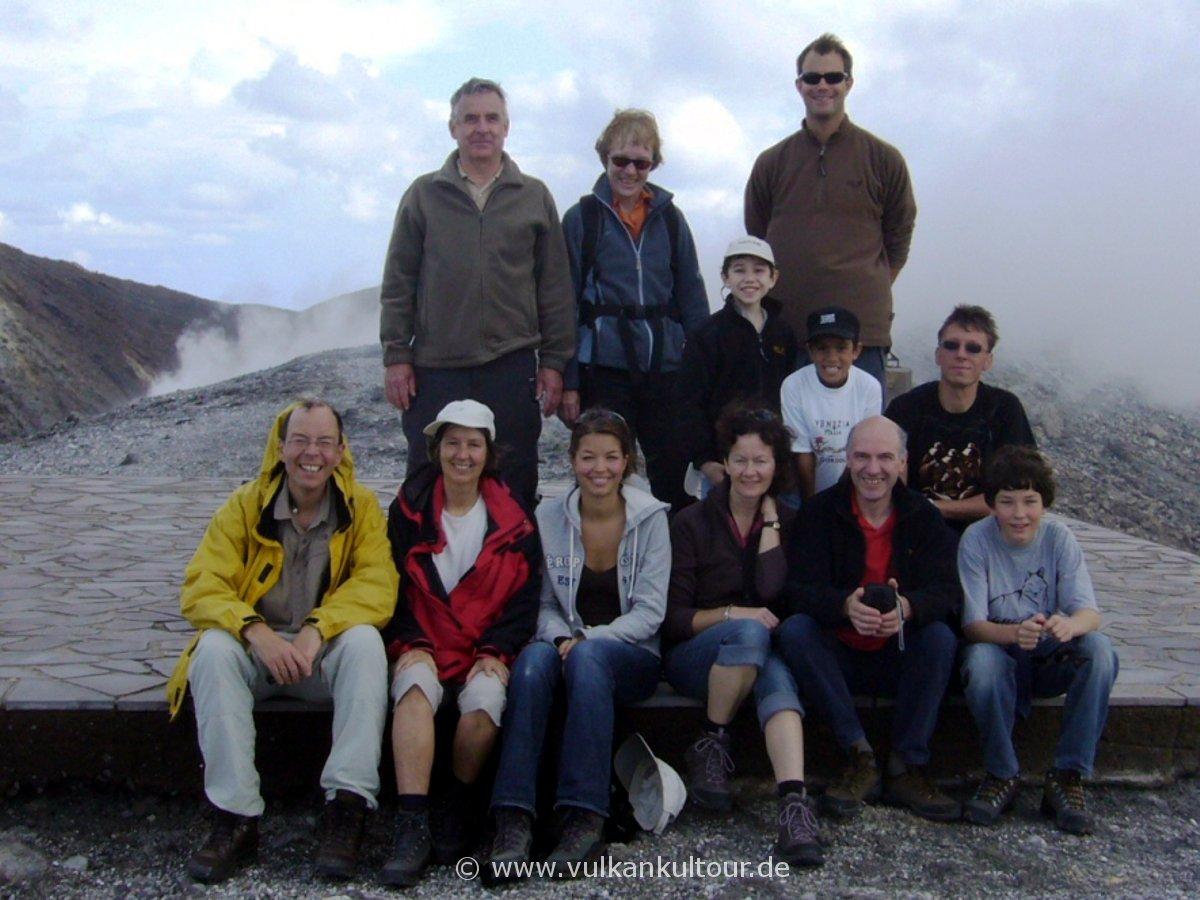 Gruppenbild auf dem Gran Cratere von Vulcano (vielen Dank an Annette für das Foto!)