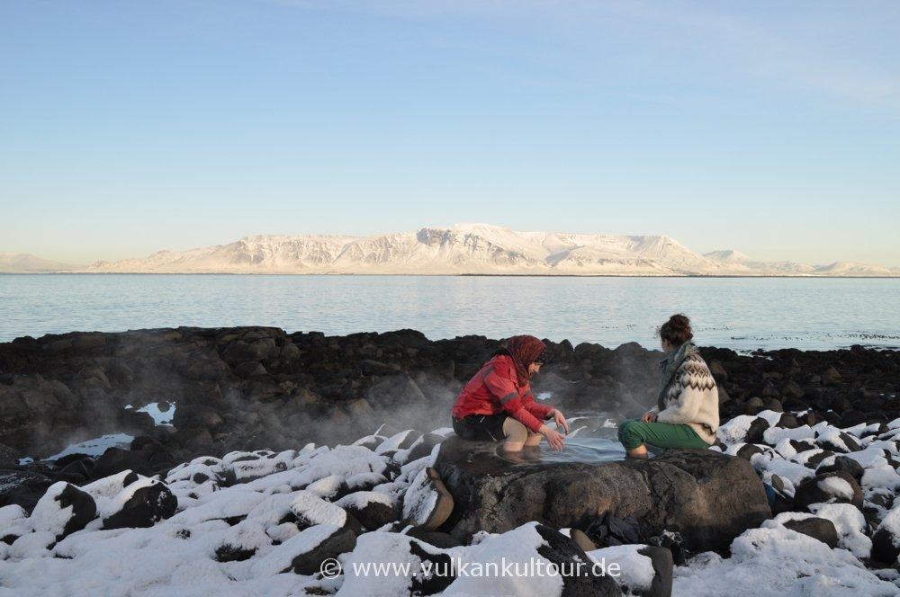 Islands kleinster Hot Pot auf der Seltjarnarnes-Halbinsel