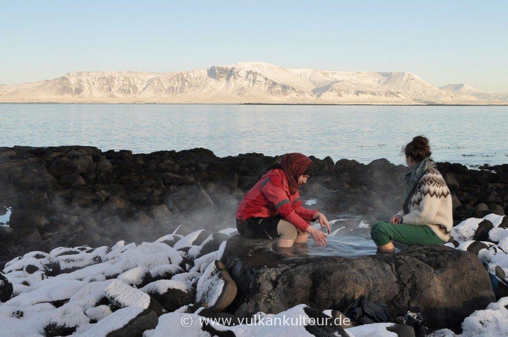 Islands kleinster Hot Pot bei Reykjavík