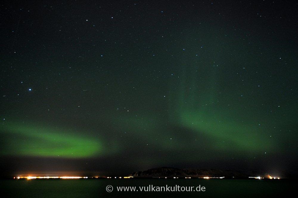 Nordlichter über der Faxaflói-Bucht