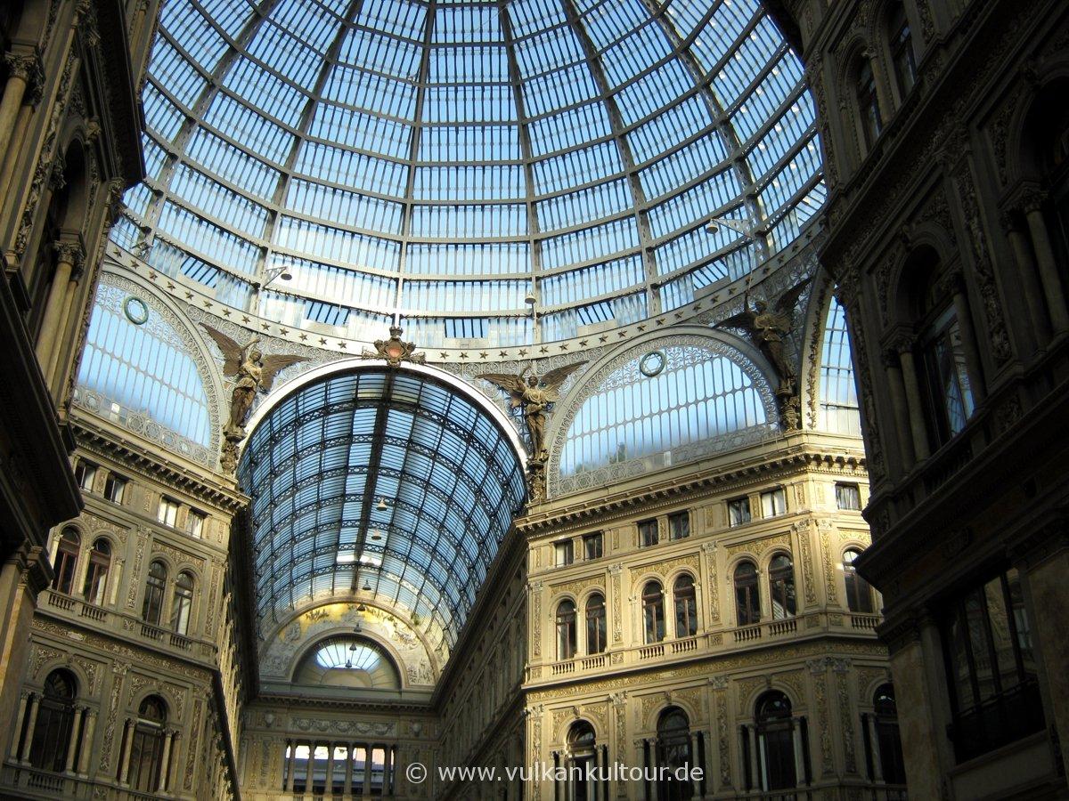 Galleria Umberto I - Einkaufsmall aus dem späten 19. Jhd.