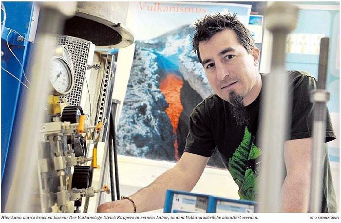 Dr. Ulrich Küppers im Labor an der LMU München