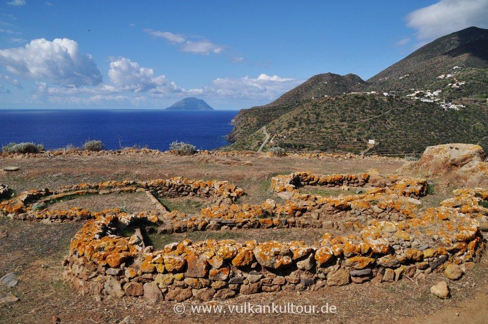 Bronzezeitliches Dorf auf dem Capo Graziano