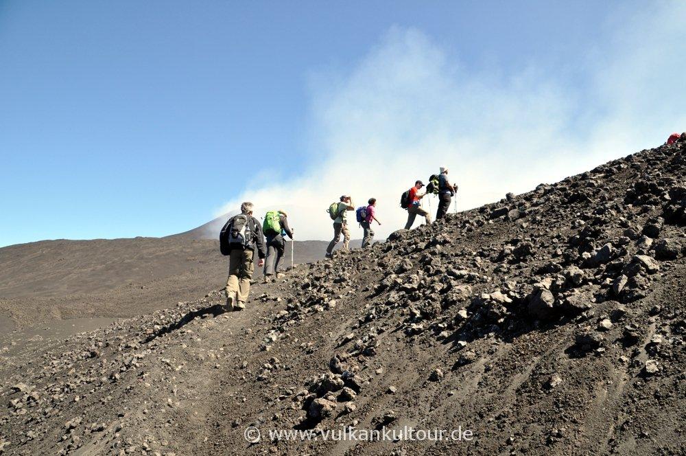 Aufstieg zum Cratere Barbagallo (Ausbruch 2002/03)