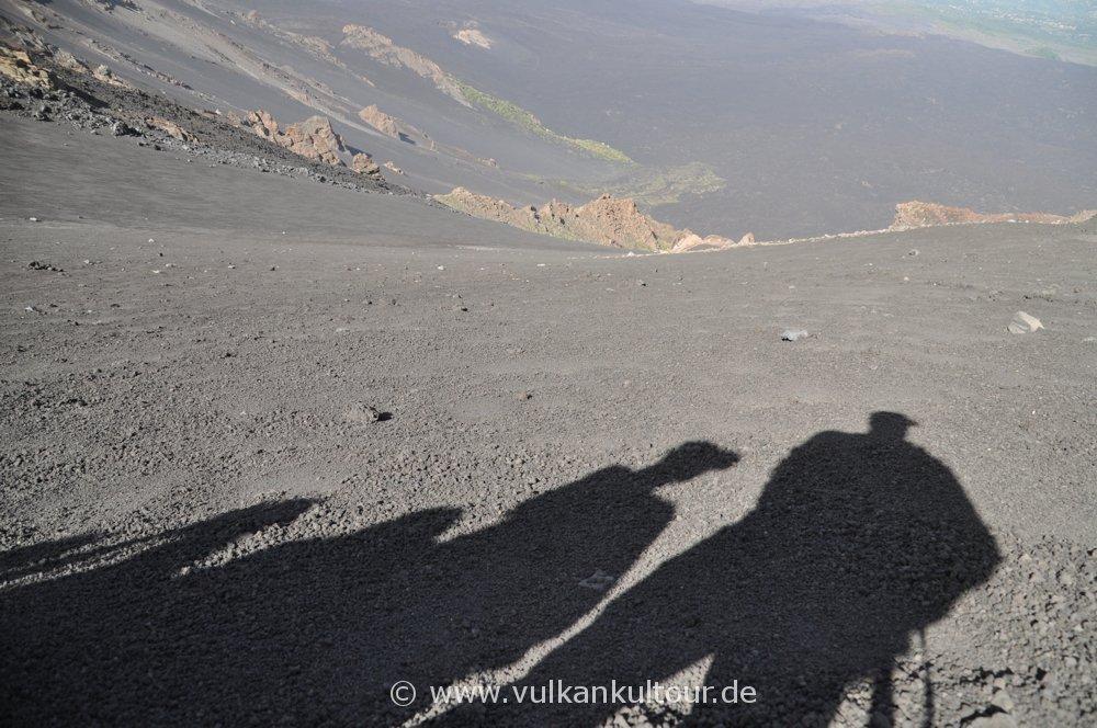 Abstieg über dem Valle del Bove - Etna Sud