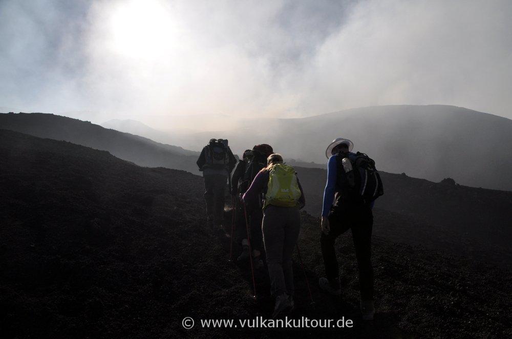 Ätna - letzter Anstieg zum Gipfelkrater