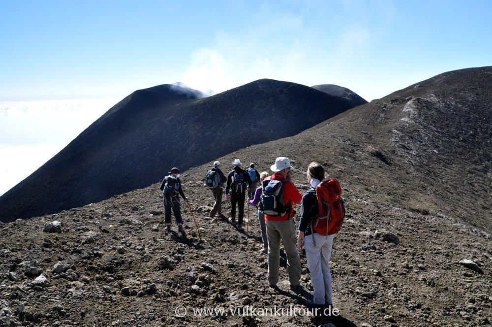 Ätna - Gipfelkrater Voragine Grande und Südostkrater
