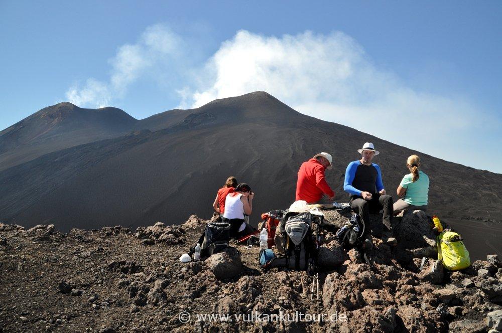 Ätna - Picknick mit Blick auf die Gipfelkrater