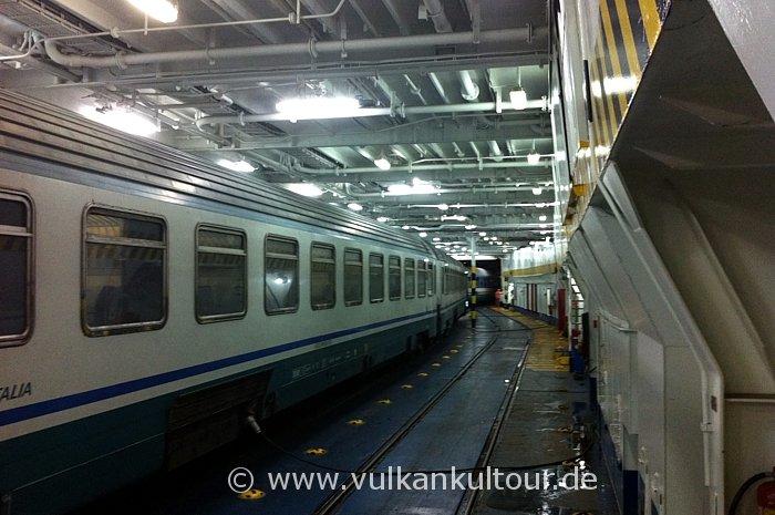 Ein Zug fuhr doch! Über die Meerenge von Messina (mit dem Zug ins Schiff!)
