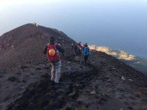 Stromboli - Alter Aufstiegsweg (hier steigen wir gerade zu den Sheltern ab)