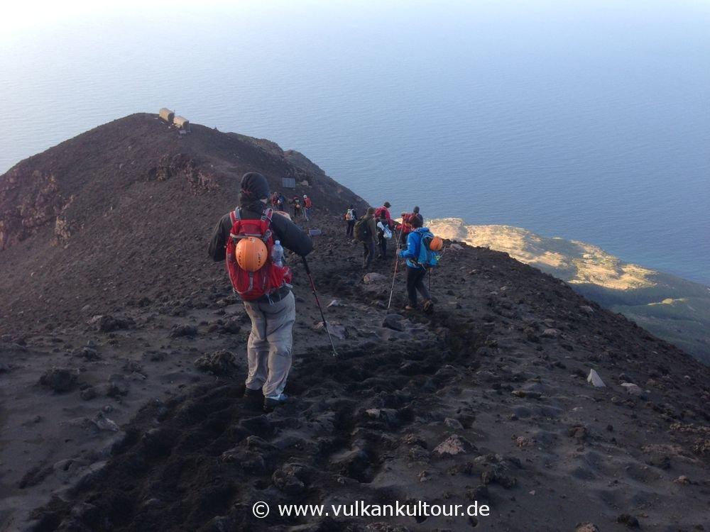 Stromboli - Alter Aufstiegsweg mit Sheltern