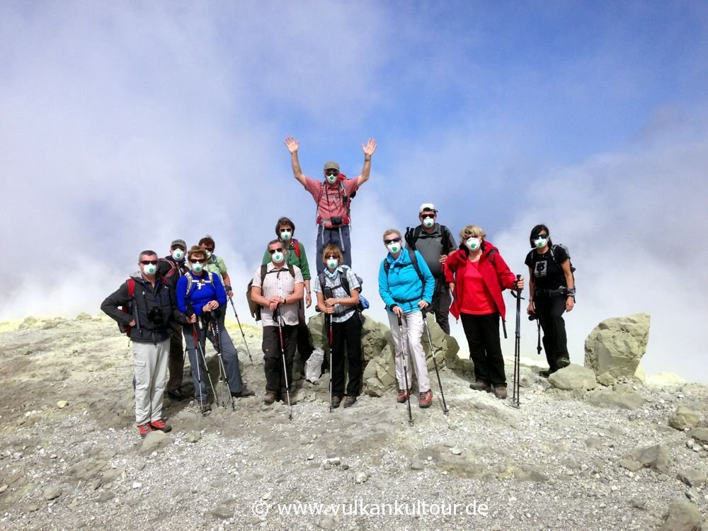 Reisegruppe auf Vulcano 2015