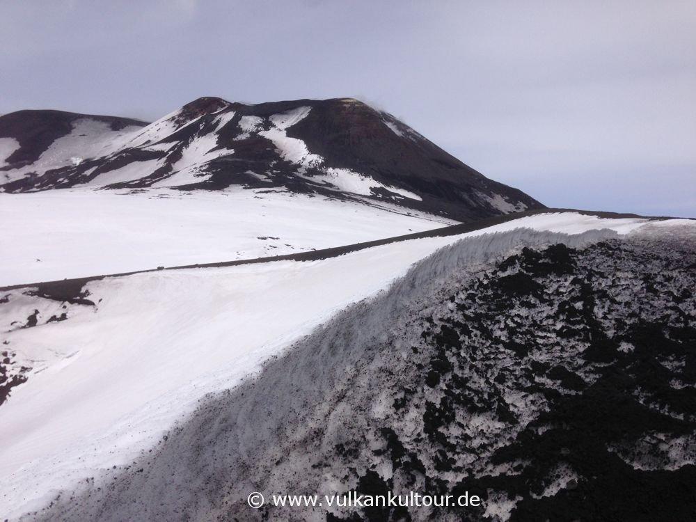 Ätna - Quota 2900 Meter (Blick auf den Südostkrater)