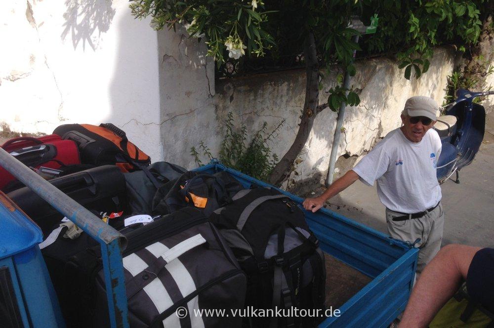 Antonios Gepäcktransport auf Stromboli - zuverlässig, pünktlich, ortstypisch