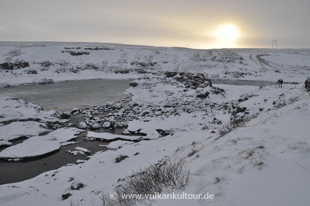 Typische Island-Winterlichtstimmung am Urriðafoss