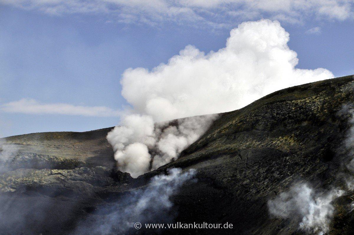 An der Kraterwander der Voragine Grande: die neue Öffnung vom 7. August 2016