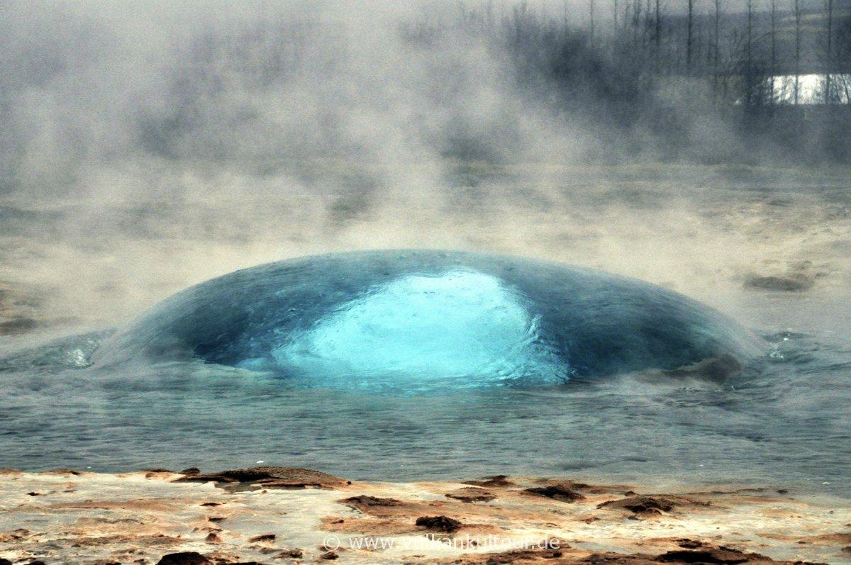 Die Blase - Geysir Strokkur