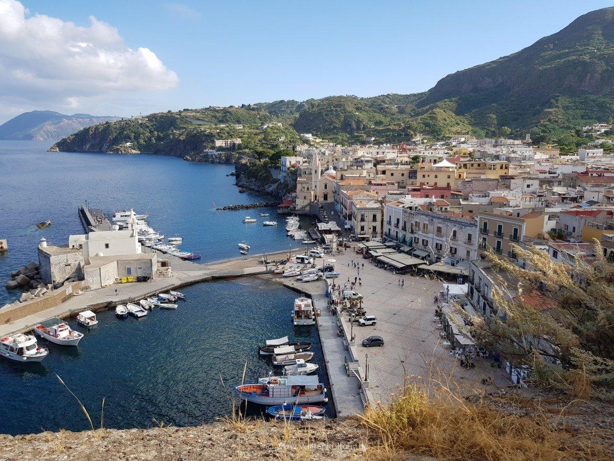 Lipari - Blick vom Castello auf Marina Corta