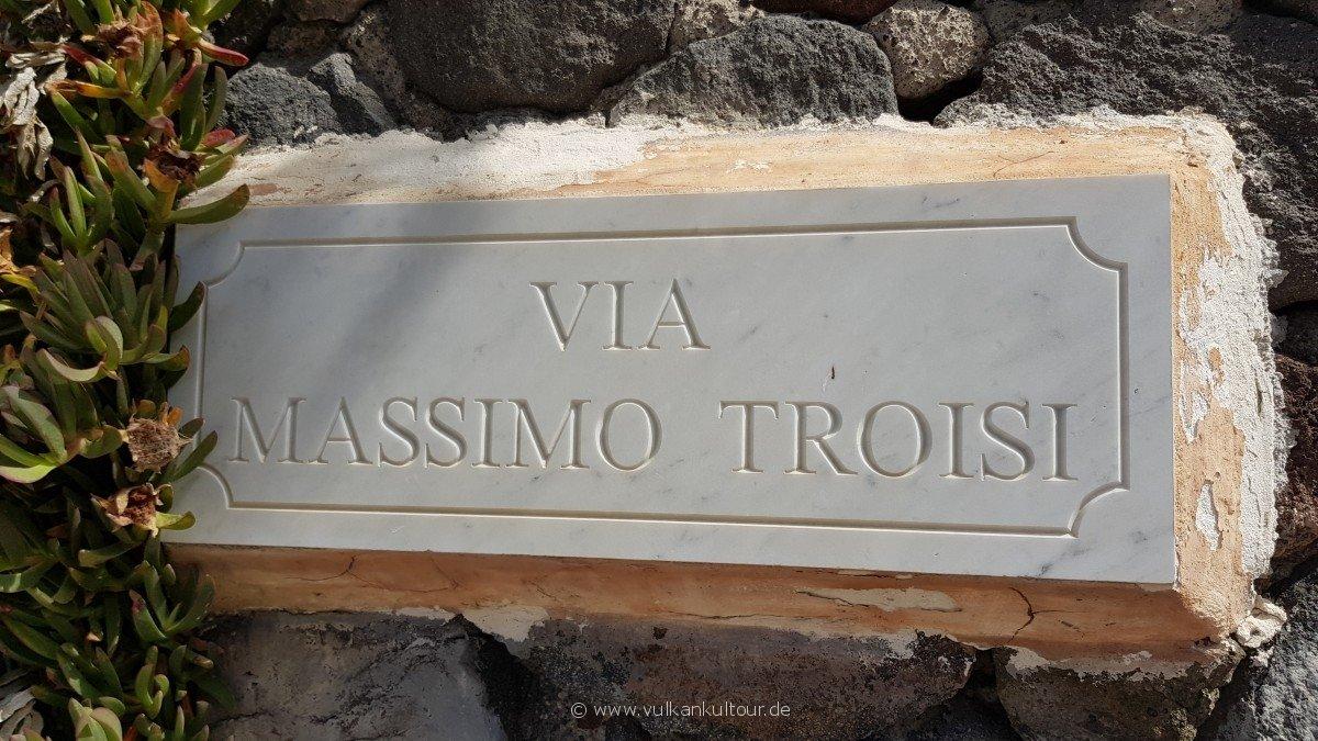 Gedenken an den Postino