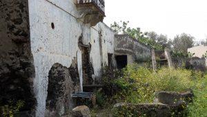 Stromboli - verfallende Häuser in Ginaostra
