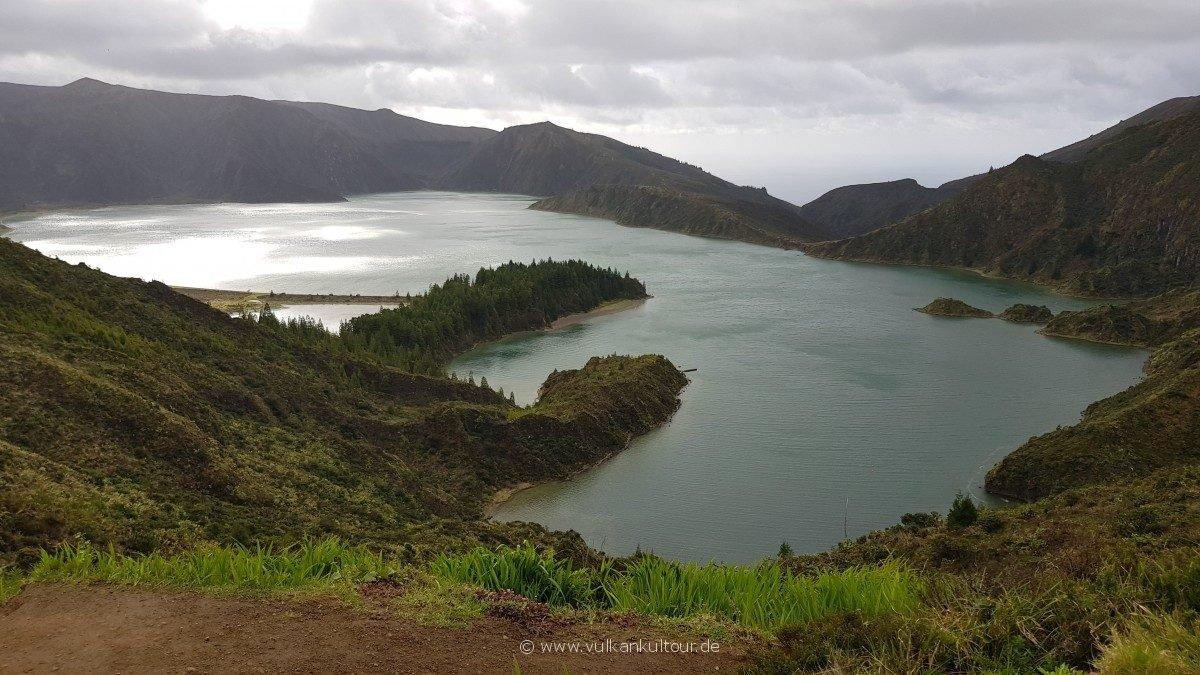 Lagoa do Fogo - noch wolkenfrei!