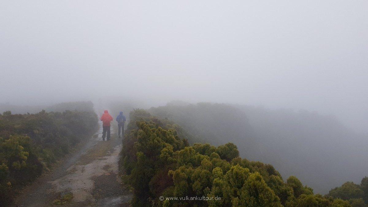 Nebelwanderung zum Lagoa do Fogo