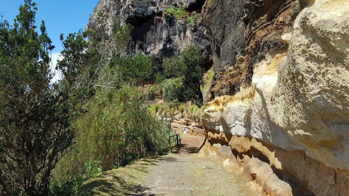 Kurze Wanderung an der Südküste nach Rocha da Relva