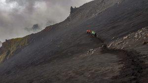 Wilder Abstieg im Valle del Bove