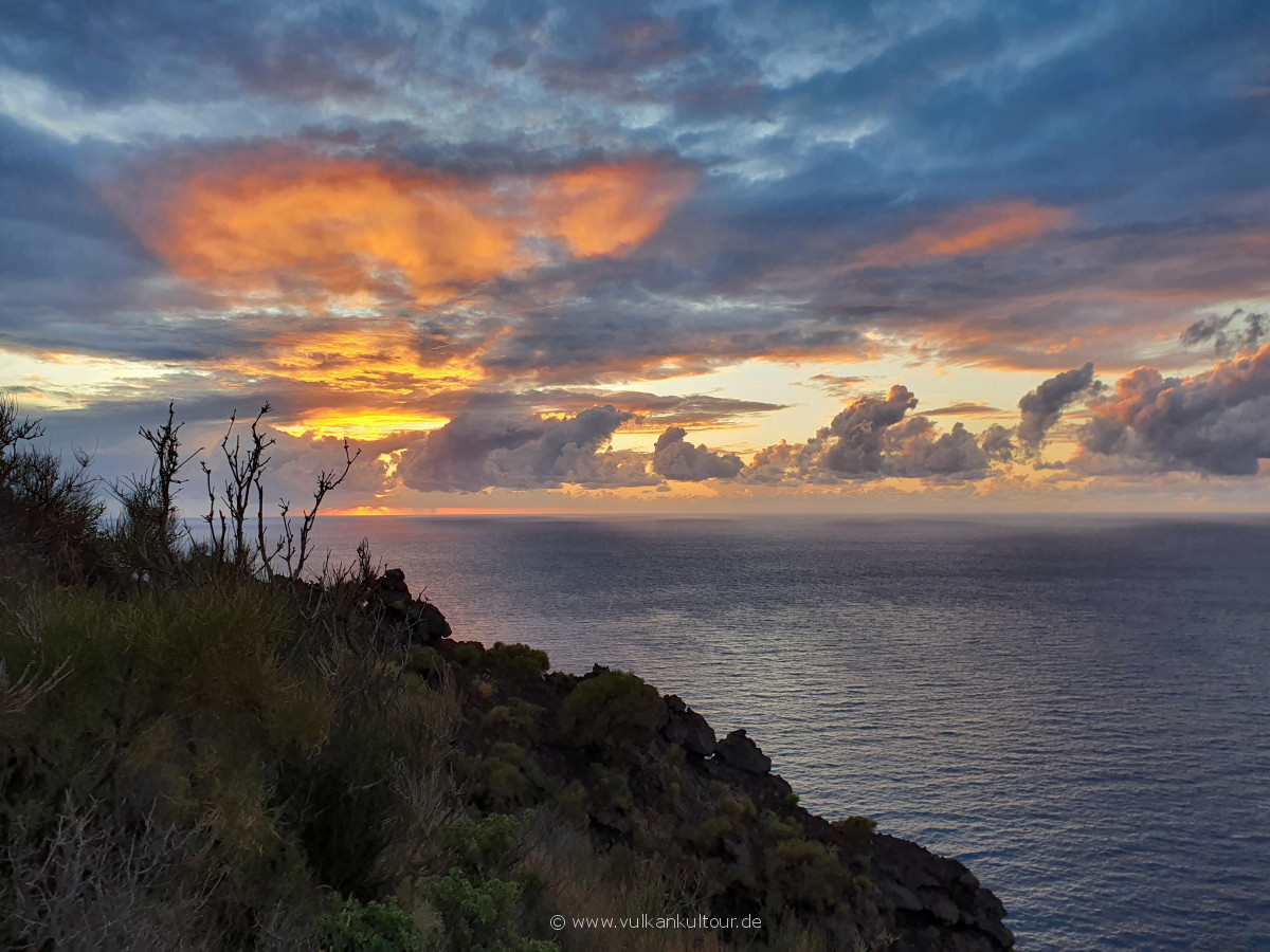 Sonnenuntergang an der Sciara del Fuoco