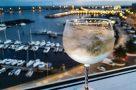 Gin Tonic gefällig? (Blick auf den Hafen von Ponta Delgada)
