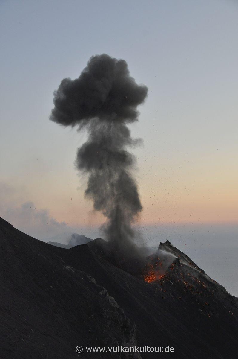 Stromboli - Imposanter Nordwestkrater