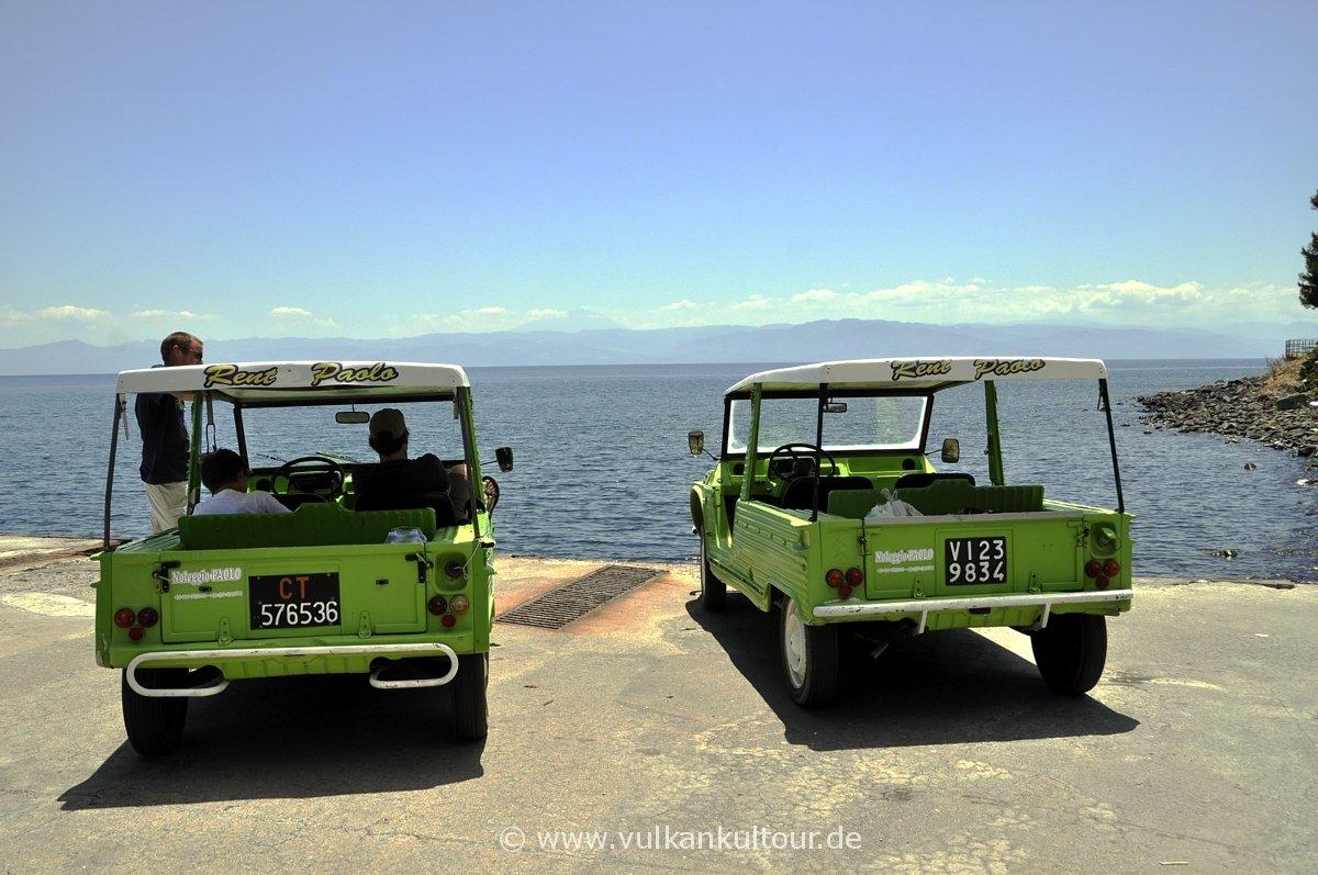 Mit zwei grünen Ferraris über die Insel Vulcano