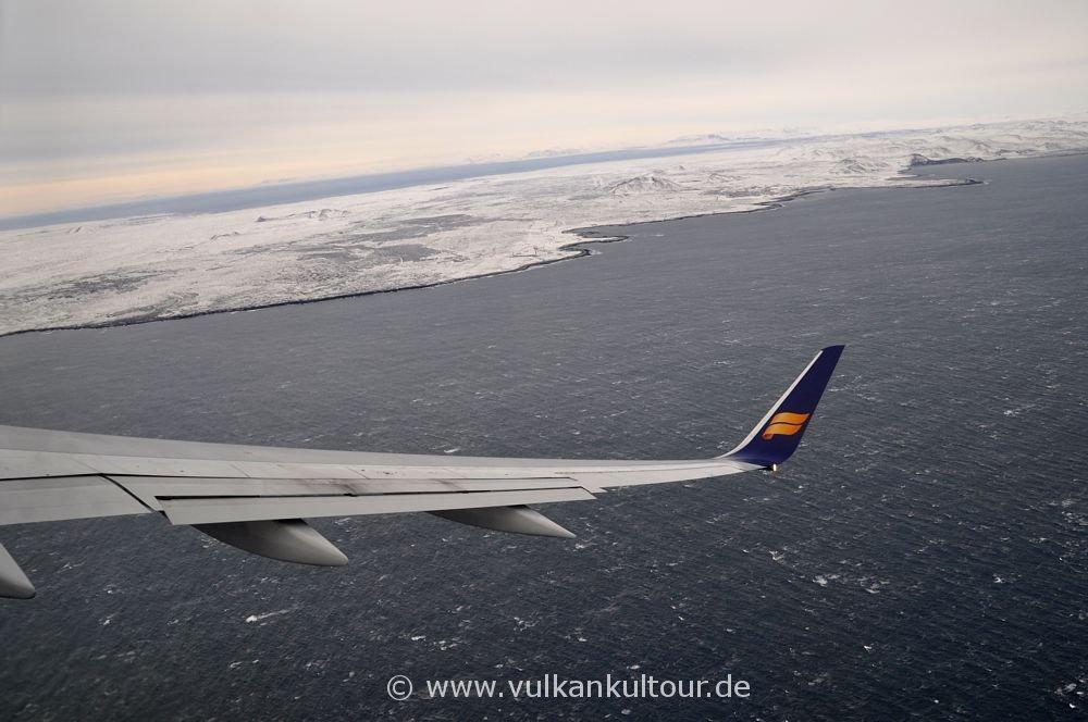 Anflug auf das winterliche Island
