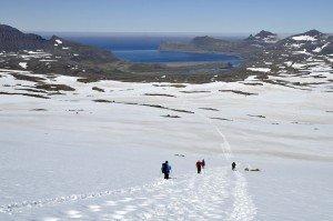 Nasser Abstieg nach Hornvík