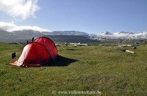 Zelten in einsamer Natur