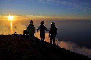 Sonnenuntergang am Gipfel des Stromboli