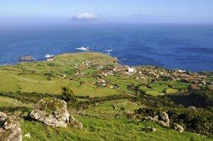 Ponta Delgada das Flores - Nordende der Insel mit Blick nach Corvo