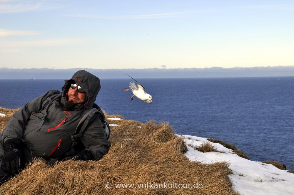 Ulli an den Vogelfelsen von Grímsey