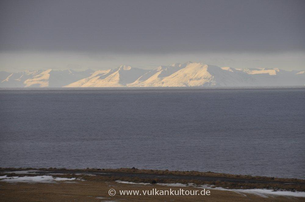 Blick von Grímsey zum Festland