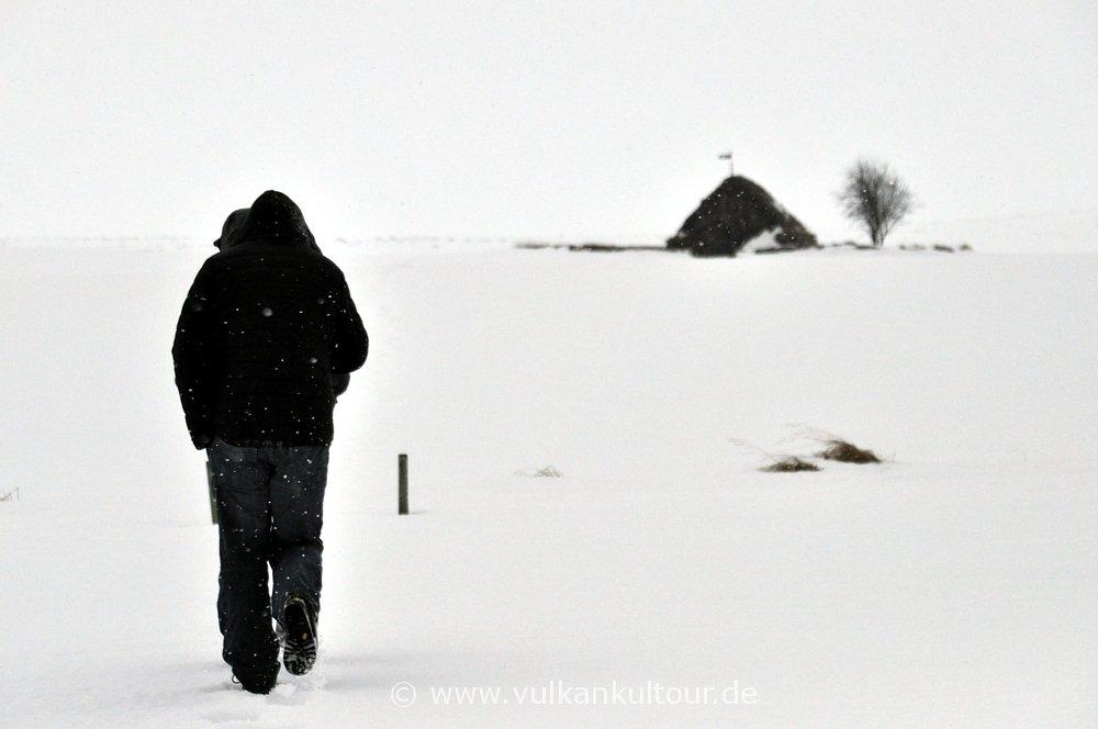 Durch Schnee und Wind zur Grafakirkja